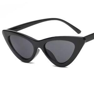 Accessories - Retro Black Slim Cat Eye Sunglasses
